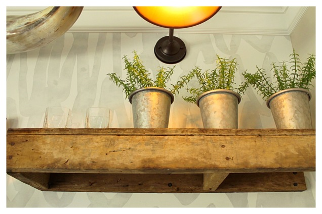 reclaimed-wood-shelving